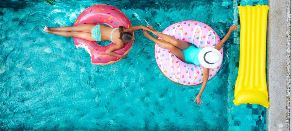 Les 7 conseils pour entretenir sa piscine toute l'année - Brico Privé