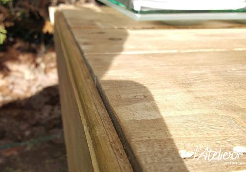 Fabriquer une table basse en palettes avec finition bois brûlé - Brico Privé