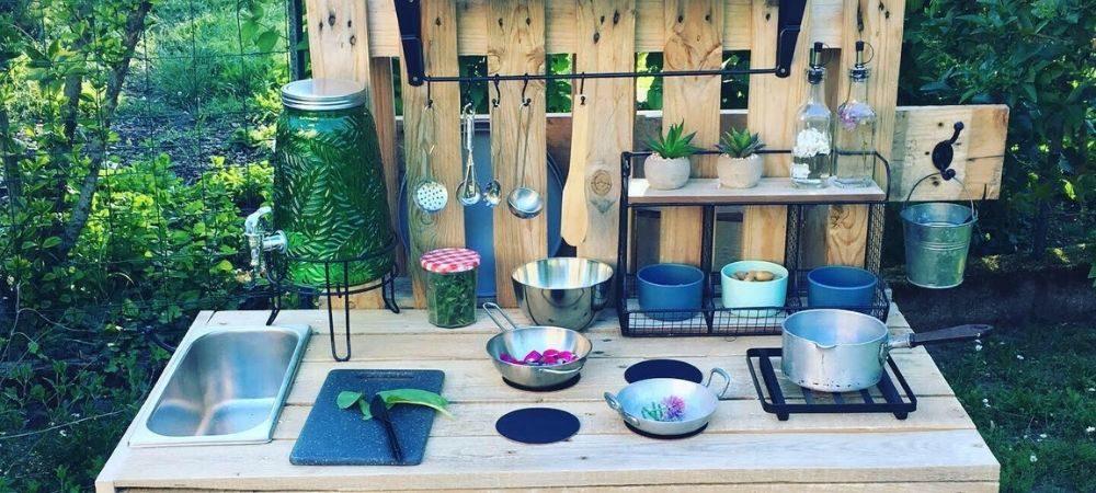 Fabriquer une cuisine pour enfant en bois de palette - Brico Privé