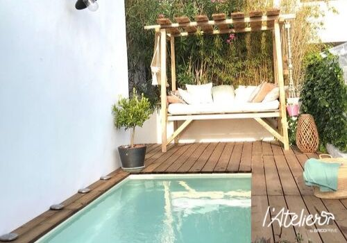 Comment aménager une terrasse bois avec piscine pour moins de 2000€ ? - Brico Privé