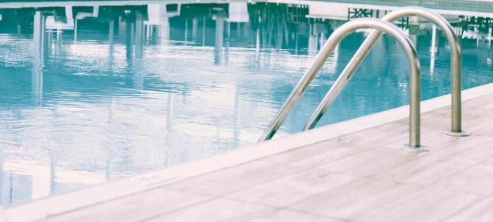 Comment bien hiverner sa piscine ? - Brico Privé
