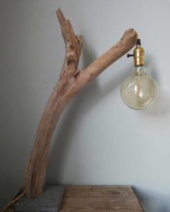 Bois flotté en lampe par Créa_Théo